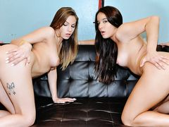 Pounding Two gorgeous babes