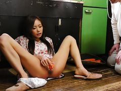 Asian chick love having her mouth full of cum