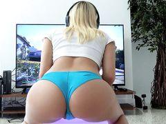 Nice round booty on my gaming girlfriend