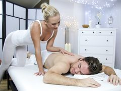 Blonde masseuse with great talent