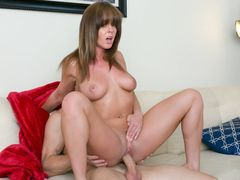 Hot woman request a good pounding Faapy obliged