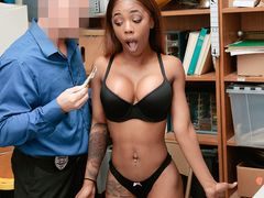 Shop lifting ebony with a round firm ass